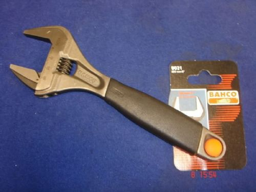 Bahco 9031 ERGO Adjustable Wrench 218mm Extra Wide Jaw